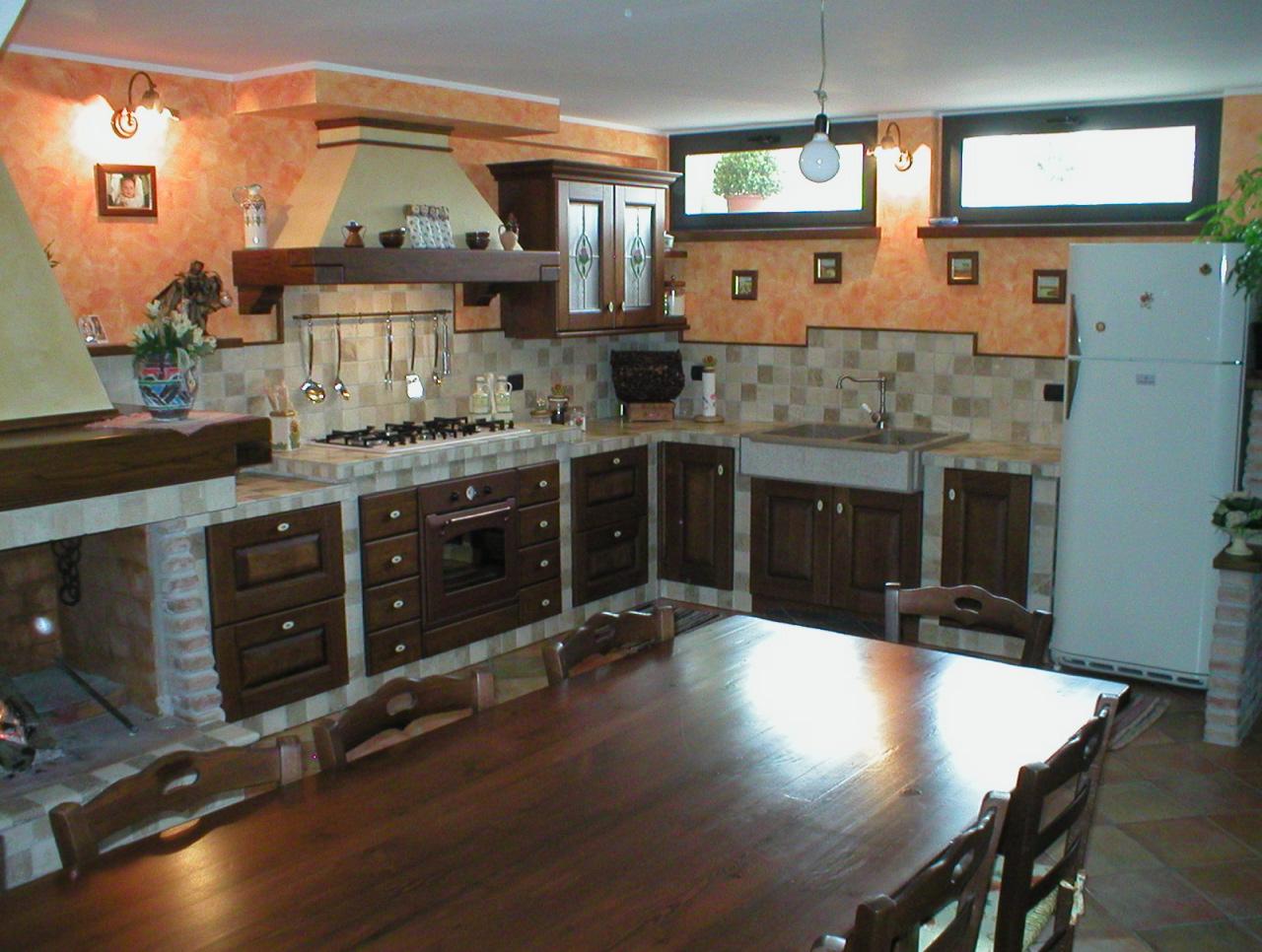 Mattoni san marco cucine ad angolo piccole salvarani for Cucine muratura prezzi di fabbrica