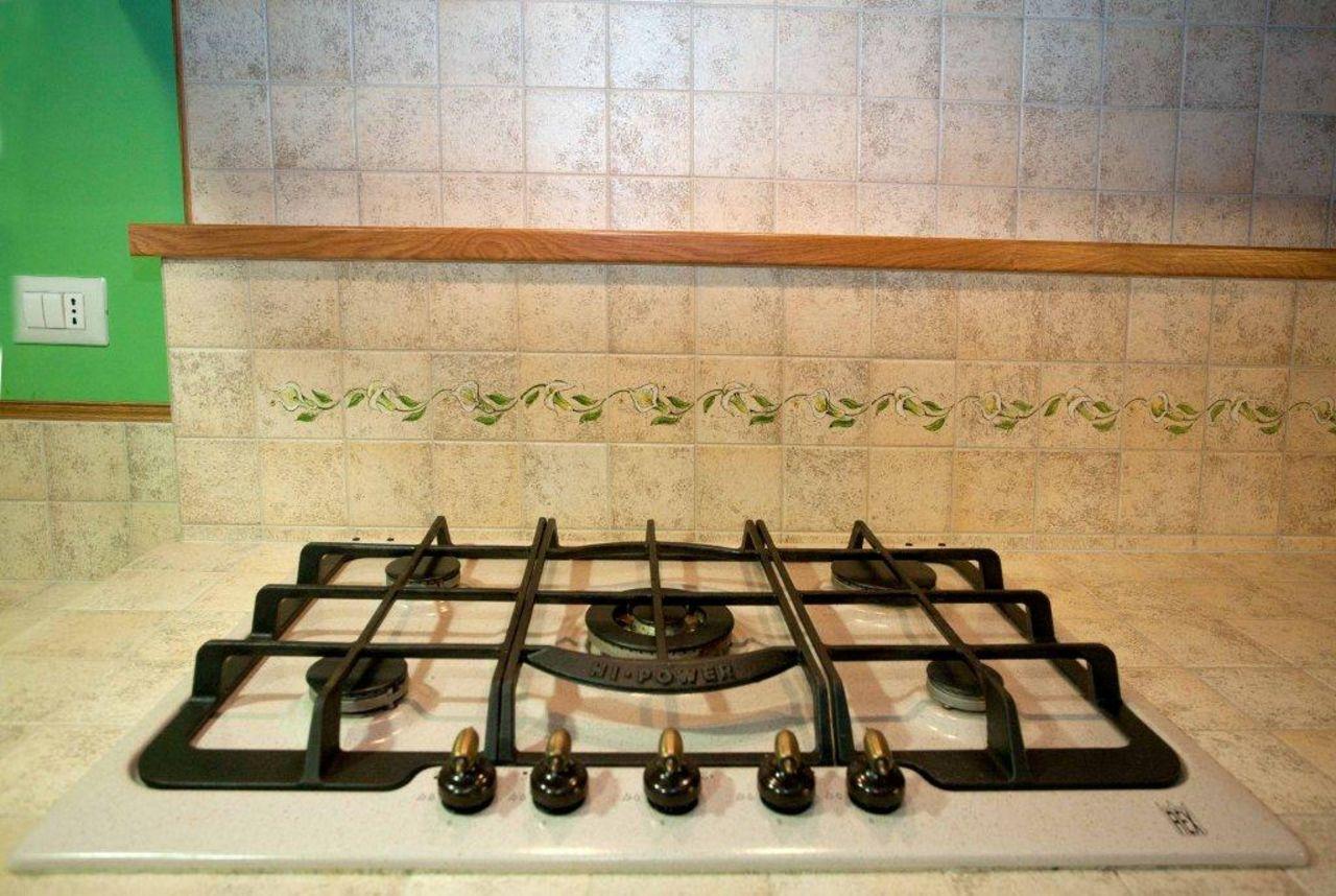 Cucina rustica classica muratura idee cucine in muratura for Mobilifici pesaro